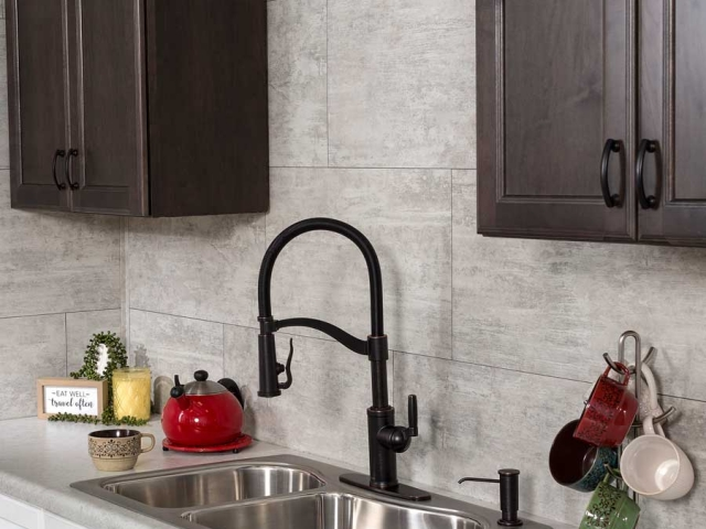 Palisade Grout-Free Wall Tiles in Wnd Gust